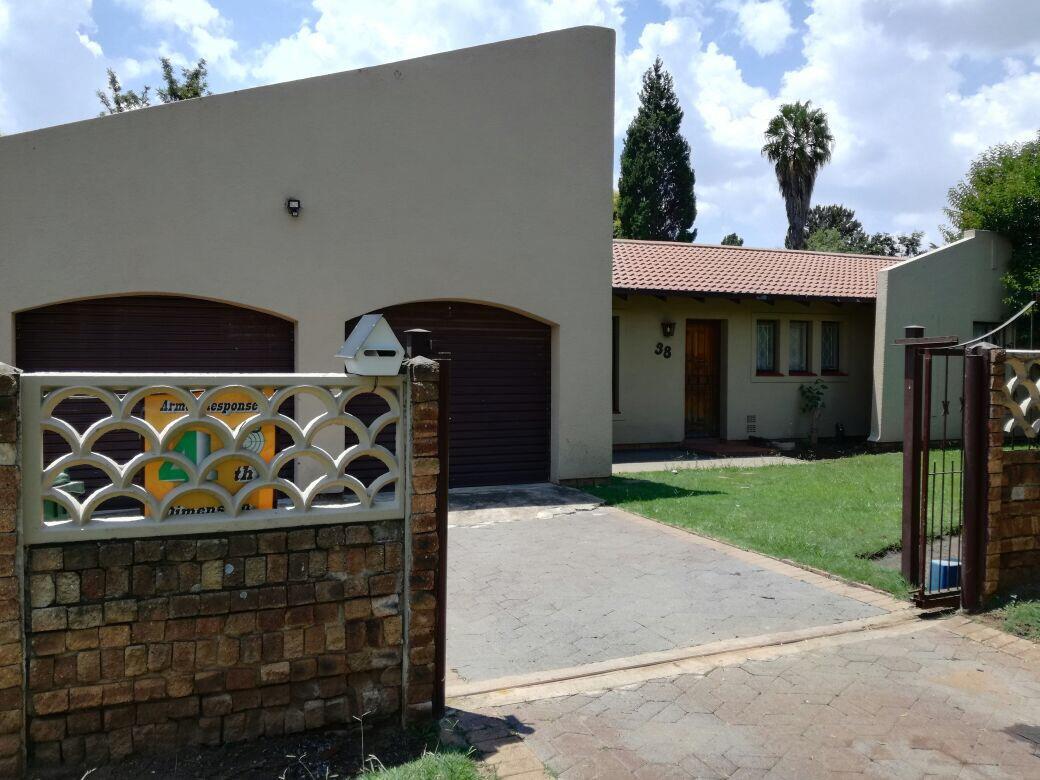 Alberton, Albertsdal Property  | Houses To Rent Albertsdal, Albertsdal, House 3 bedrooms property to rent Price:,  9,00*
