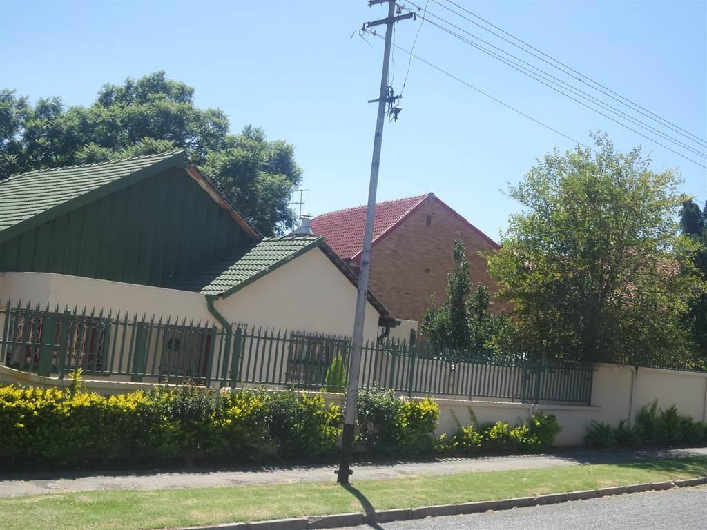 Johannesburg, Linmeyer Property  | Houses To Rent Linmeyer, Linmeyer, House 4 bedrooms property to rent Price:, 11,00*