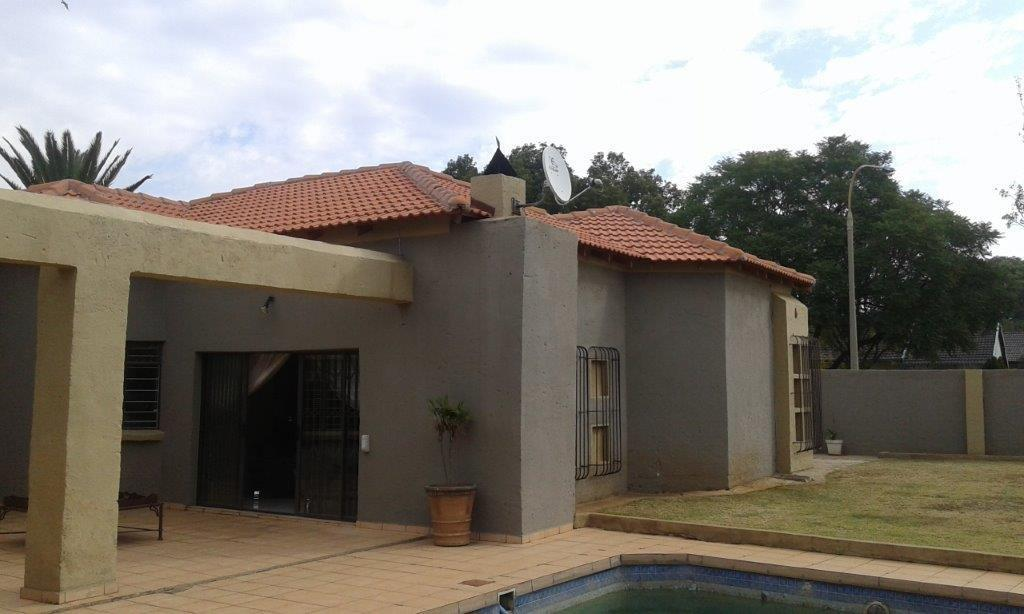 Alberton, Mayberry Park Property    Houses To Rent Mayberry Park, Mayberry Park, House 3 bedrooms property to rent Price:, 11,00*