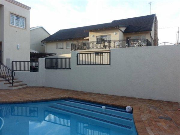 Johannesburg, De Wetshof Property  | Houses For Sale De Wetshof, De Wetshof, House 3 bedrooms property for sale Price:2,750,000