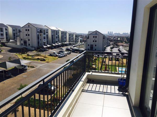 Greenstone Hill, Greenstone Hill Property  | Houses To Rent Greenstone Hill, Greenstone Hill, Townhouse 2 bedrooms property to rent Price:, 15,00*