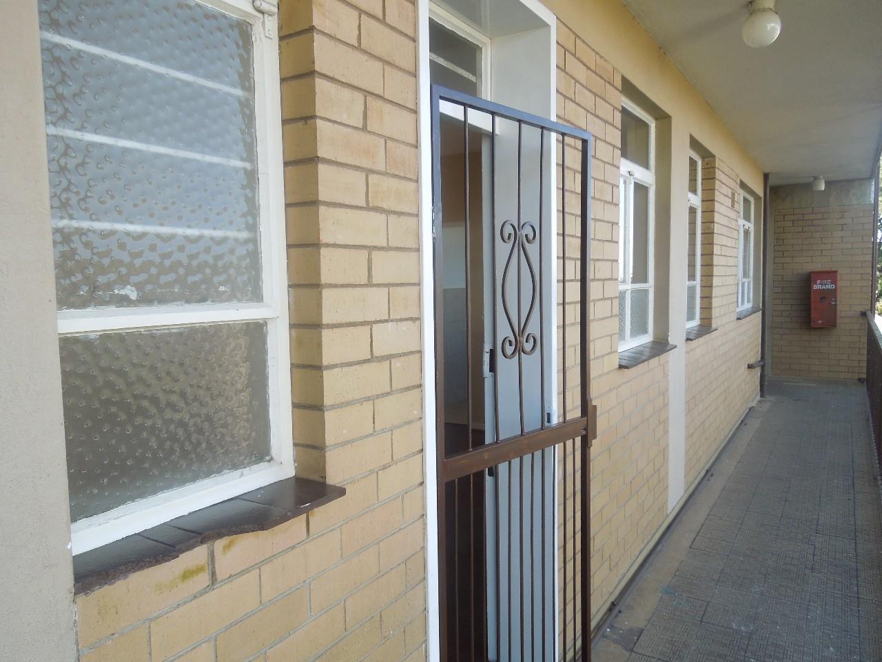 Johannesburg, Haddon Property  | Houses For Sale Haddon, Haddon, Apartment 2 bedrooms property for sale Price:320,000