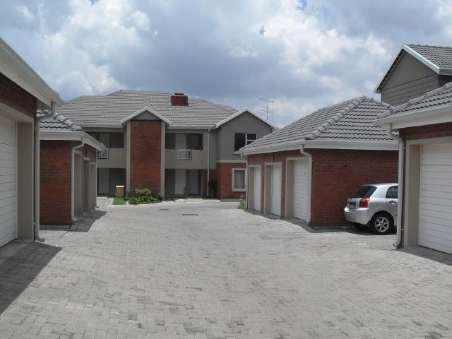 Greenstone Hill, Greenstone Hill Property  | Houses To Rent Greenstone Hill, Greenstone Hill, House 4 bedrooms property to rent Price:, 10,00*