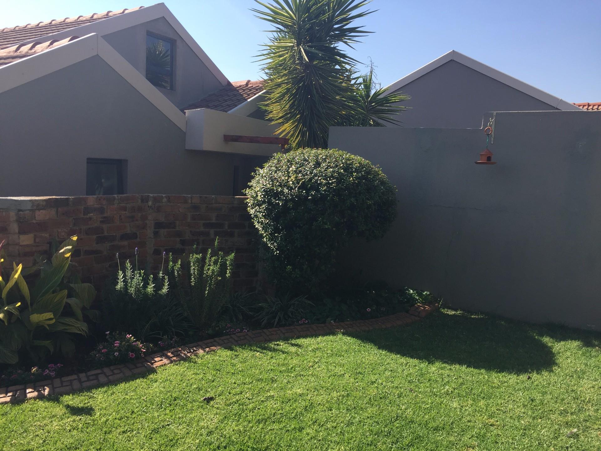 Johannesburg, Kensington Property  | Houses To Rent Kensington, Kensington, Duplex 2 bedrooms property to rent Price:,  8,00*