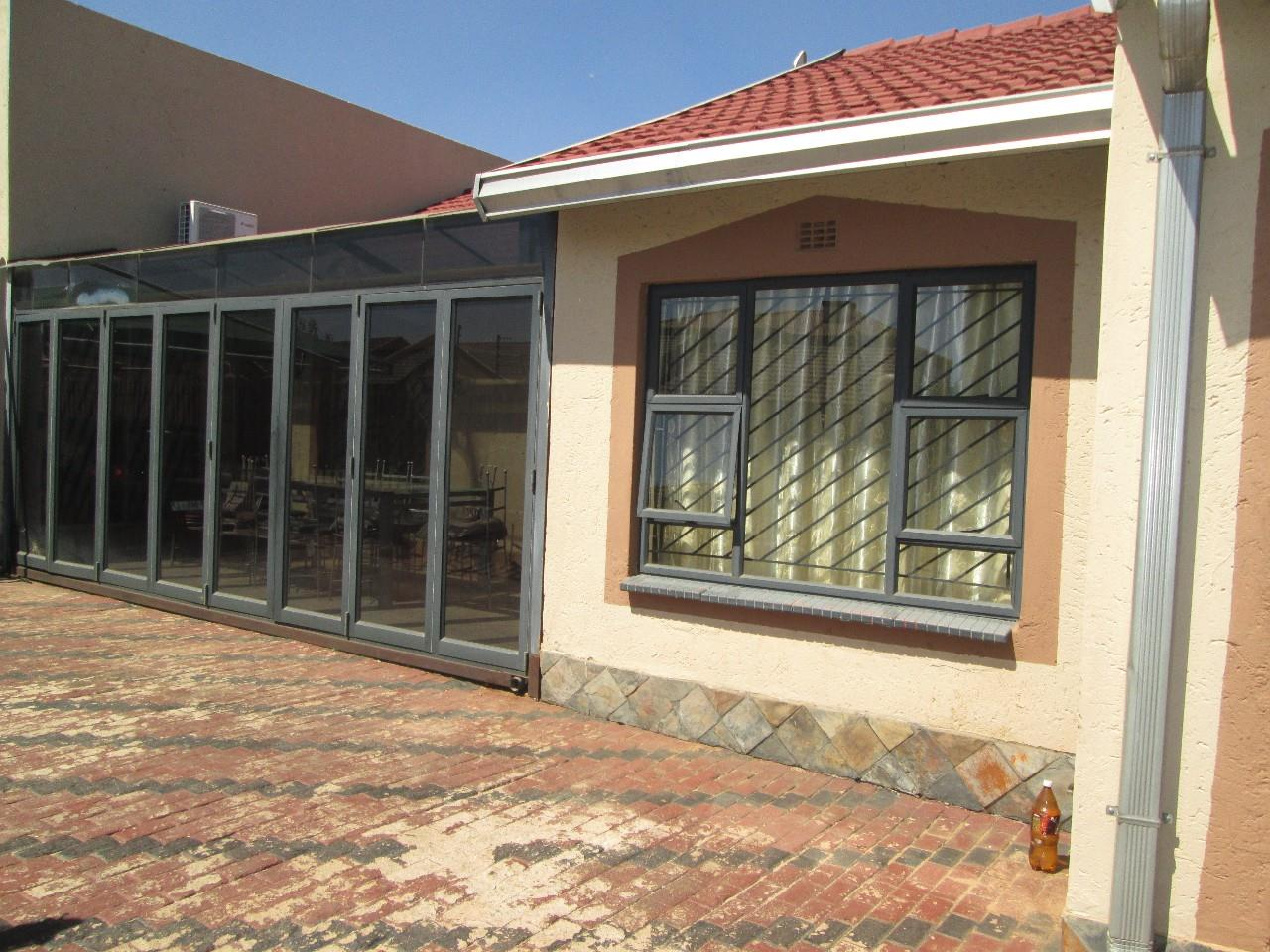 Germiston, Spruit View Property  | Houses For Sale Spruit View, Spruit View, House 4 bedrooms property for sale Price:900,000