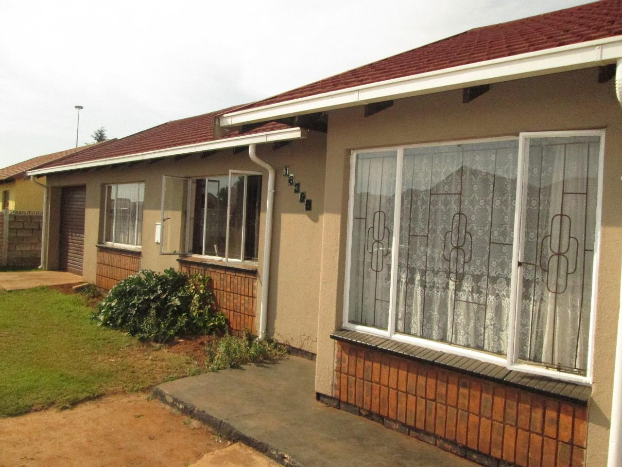 Boksburg, Vosloorus Property  | Houses To Rent Vosloorus, Vosloorus, House 3 bedrooms property to rent Price:,  4,00*