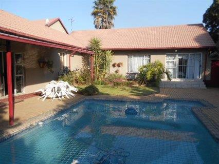 Boksburg, Freeway Park Property  | Houses For Sale Freeway Park, Freeway Park, House 5 bedrooms property for sale Price:1,680,000