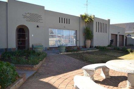 Boksburg, Freeway Park Property  | Houses For Sale Freeway Park, Freeway Park, House 4 bedrooms property for sale Price:1,350,000