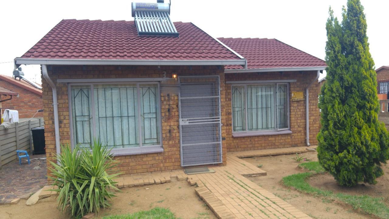 Benoni, Daveyton Property  | Houses For Sale Daveyton, Daveyton, House 2 bedrooms property for sale Price:480,000