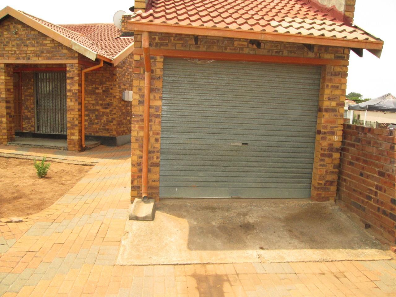 Benoni, Daveyton Property  | Houses For Sale Daveyton, Daveyton, House 3 bedrooms property for sale Price:660,000