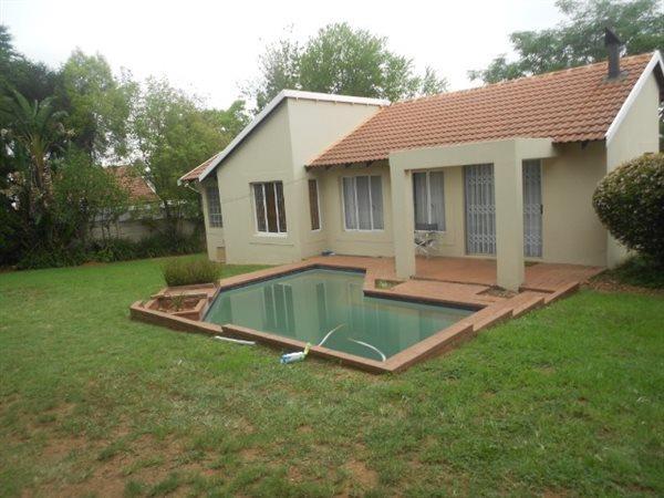 Randburg, Sharonlea Property  | Houses For Sale Sharonlea, Sharonlea, House 2 bedrooms property for sale Price:1,300,000