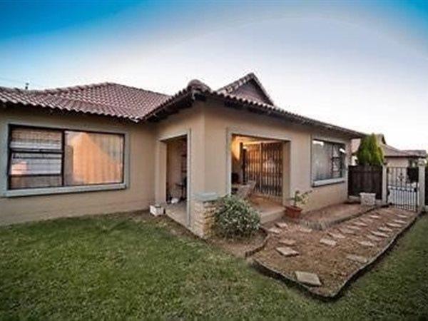 Sandton, Broadacres Property  | Houses To Rent Broadacres, Broadacres, Cluster 3 bedrooms property to rent Price:, 15,00*