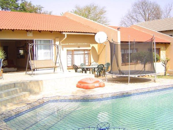 Sandton, Witkoppen Property  | Houses For Sale Witkoppen, Witkoppen, House 3 bedrooms property for sale Price:2,500,000