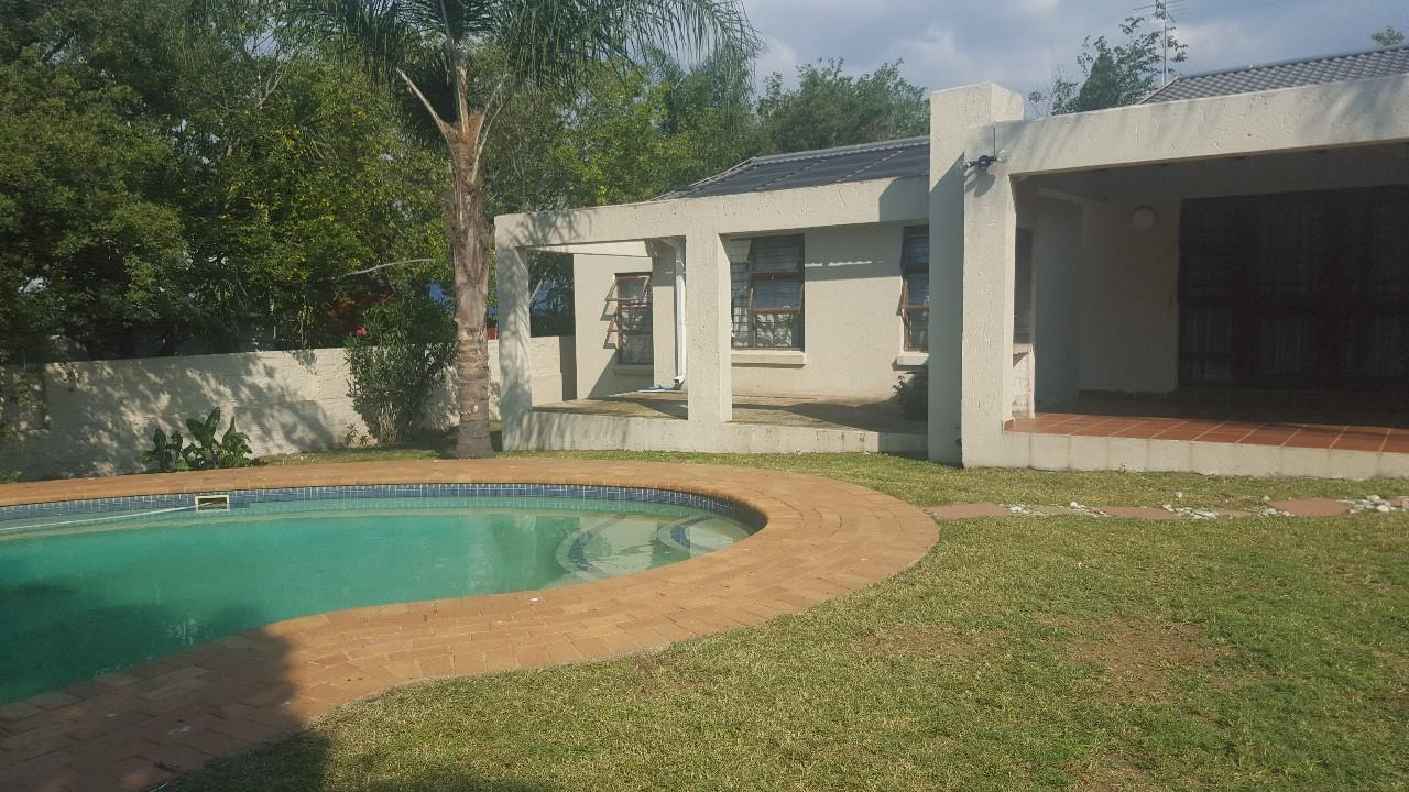 Randburg, Bloubosrand Property  | Houses For Sale Bloubosrand, Bloubosrand, House 3 bedrooms property for sale Price:1,250,000