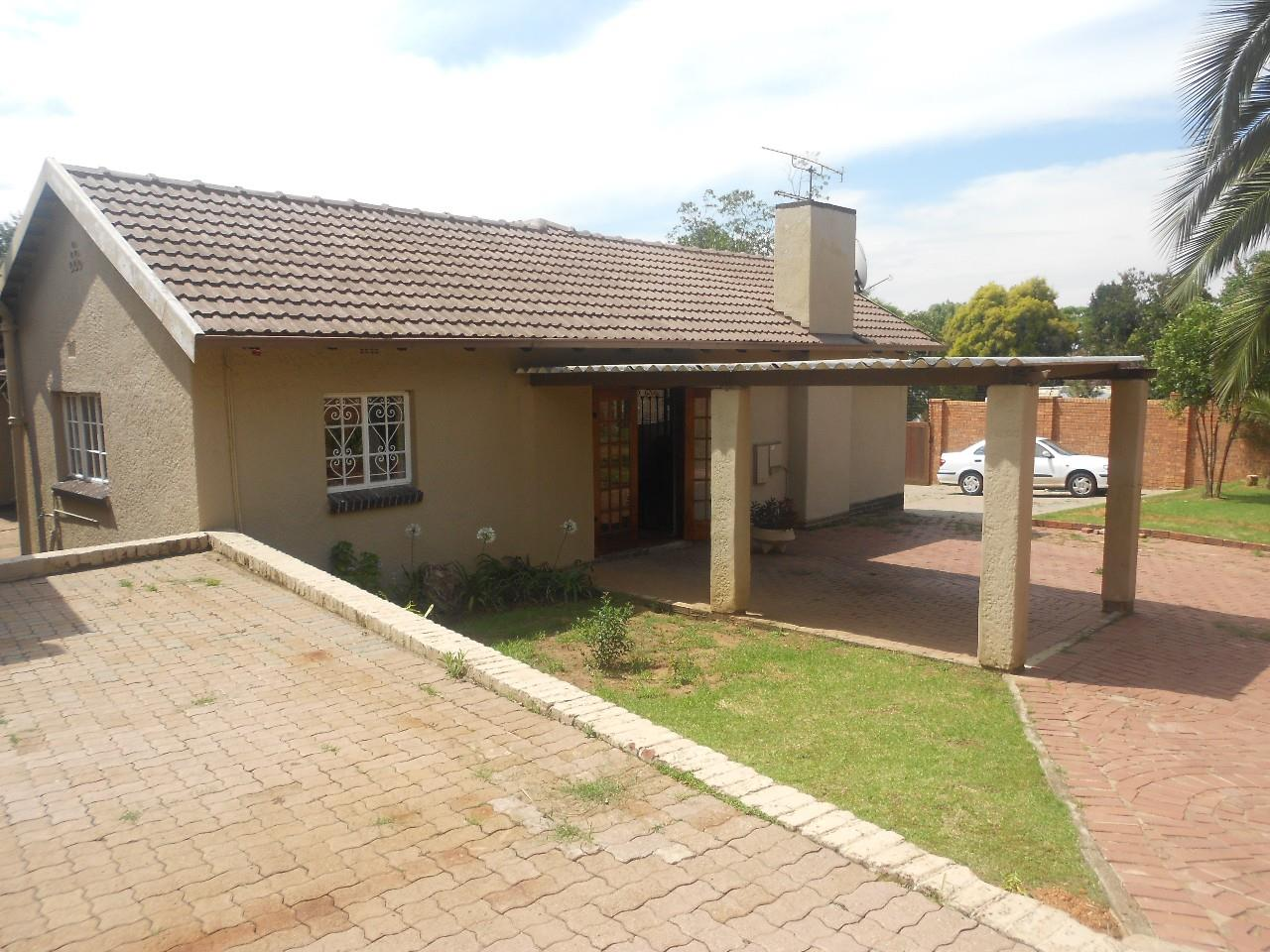 Sandton, Parkmore Property  | Houses To Rent Parkmore, Parkmore, House 3 bedrooms property to rent Price:, 22,00*