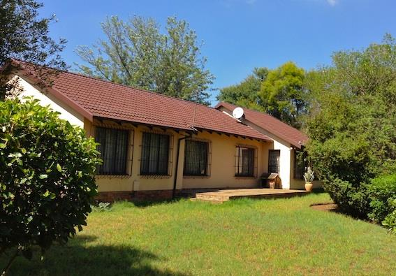 Randburg, Bloubosrand Property  | Houses For Sale Bloubosrand, Bloubosrand, House 4 bedrooms property for sale Price:1,390,000