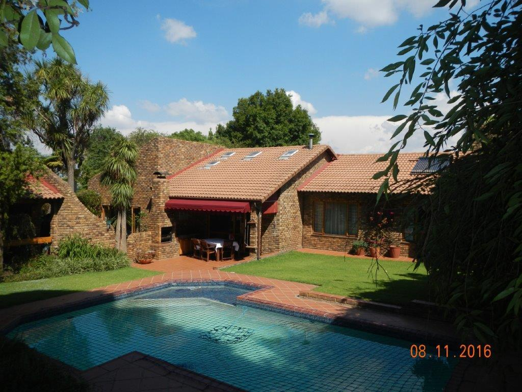 Sandton, Lonehill Property  | Houses For Sale Lonehill, Lonehill, House 4 bedrooms property for sale Price:3,100,000