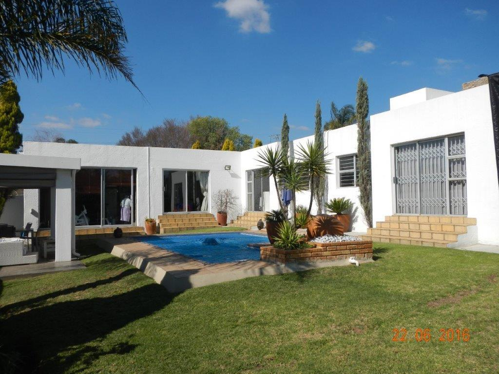 Sandton, Lonehill Property  | Houses To Rent Lonehill, Lonehill, House 3 bedrooms property to rent Price:, 23,00*