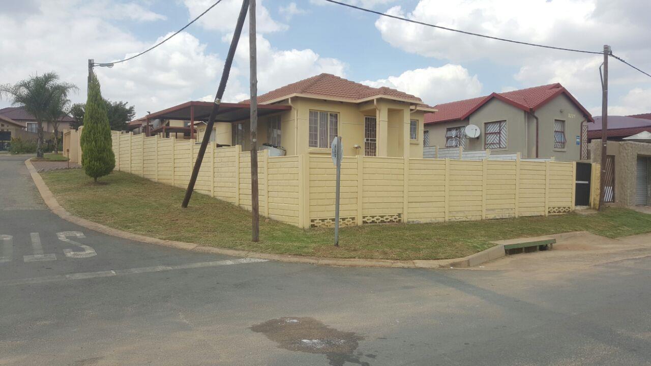 Randburg, Cosmo City Property  | Houses For Sale Cosmo City, Cosmo City, House 3 bedrooms property for sale Price:750,000