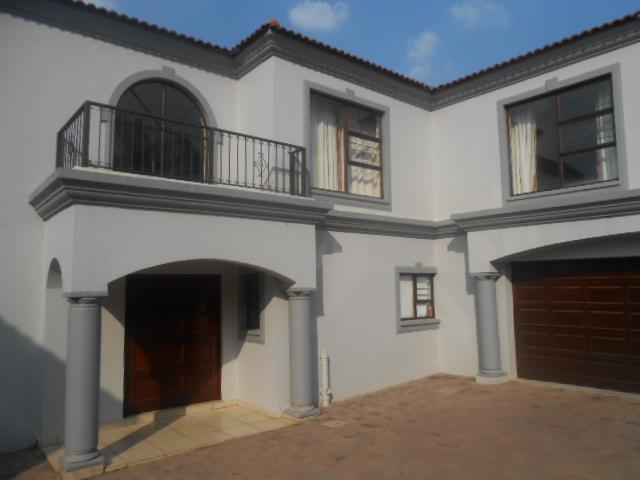 Randburg, Northwold Property  | Houses For Sale Northwold, Northwold, Cluster 3 bedrooms property for sale Price:3,150,000