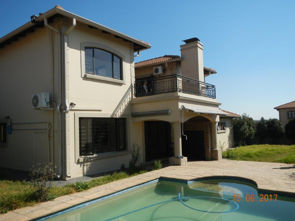 Sandton, Broadacres Property  | Houses For Sale Broadacres, Broadacres, Cluster 3 bedrooms property for sale Price:3,200,000