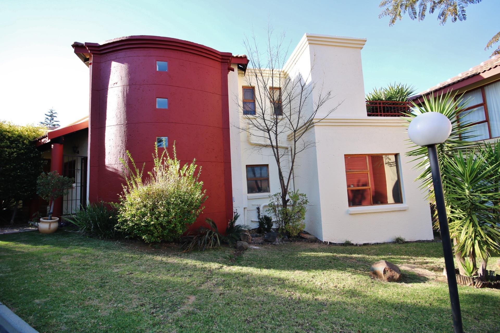 Randburg, Boskruin Property  | Houses For Sale Boskruin, Boskruin, Duplex 5 bedrooms property for sale Price:2,200,000