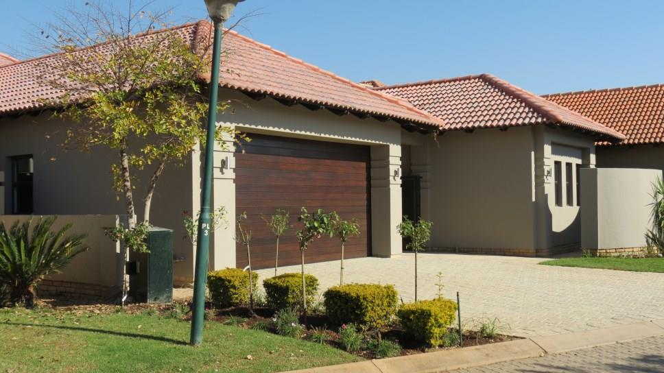 Pecanwood Estate, Hartbeespoort - ZAF (photo 1)