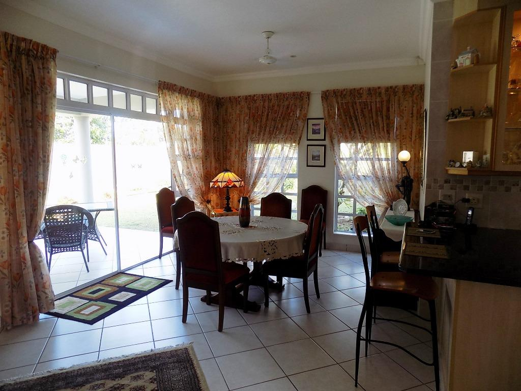 4 Bedroom Townhouse For Sale in Shelly Beach