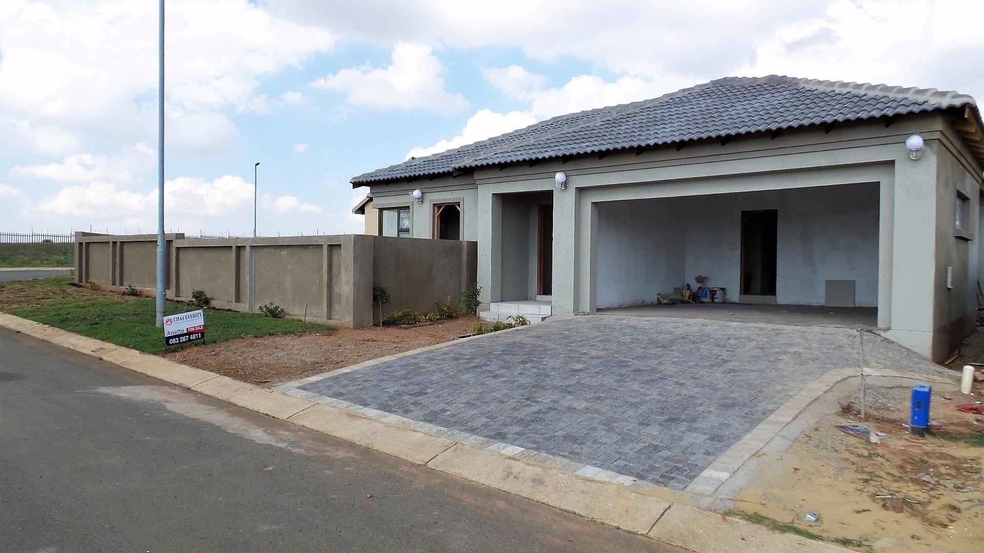 48 Rustenburg, Wildtuin Park, Krugersdorp - ZAF (photo 1)