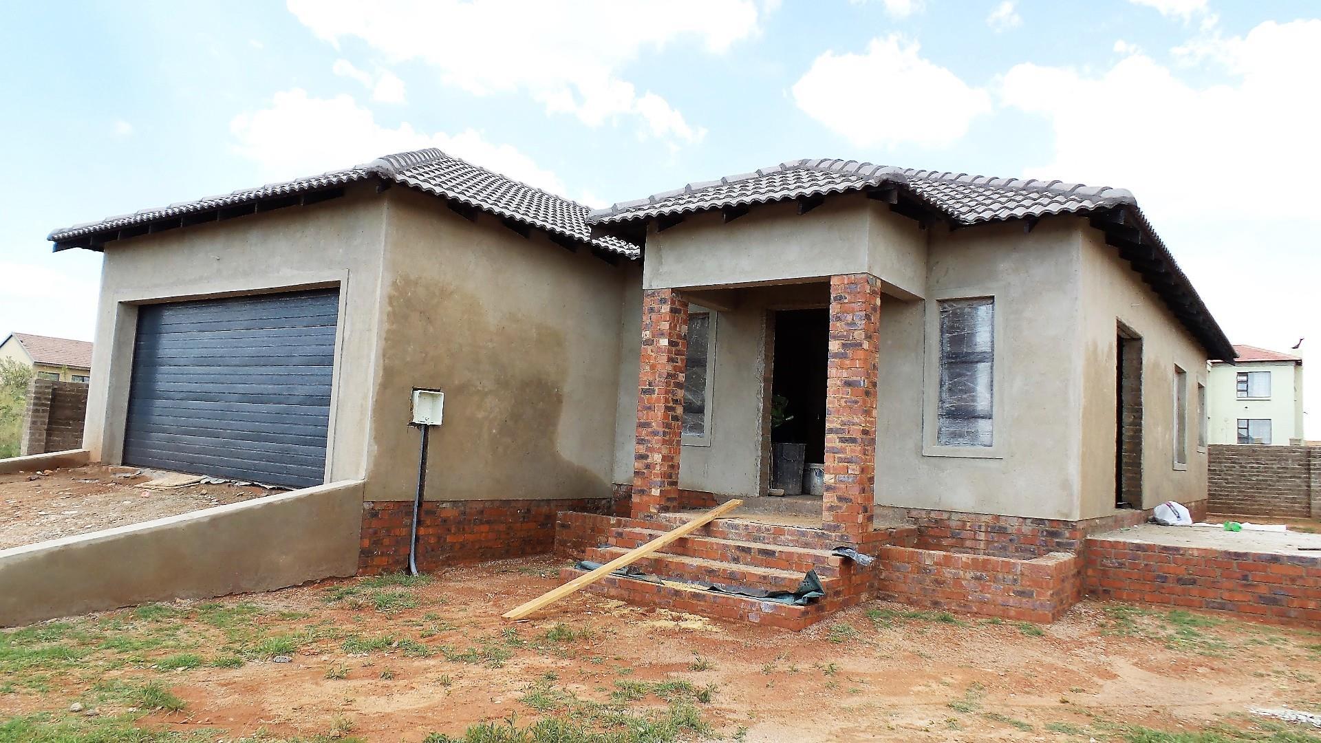122 Rustenburg, Wildtuin Park, Krugersdorp - ZAF (photo 1)