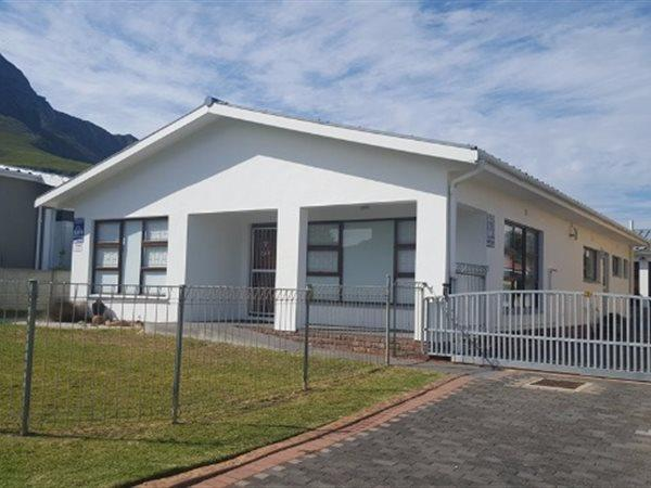 Kleinmond, House 3 bedrooms property for sale Price:2,400,000