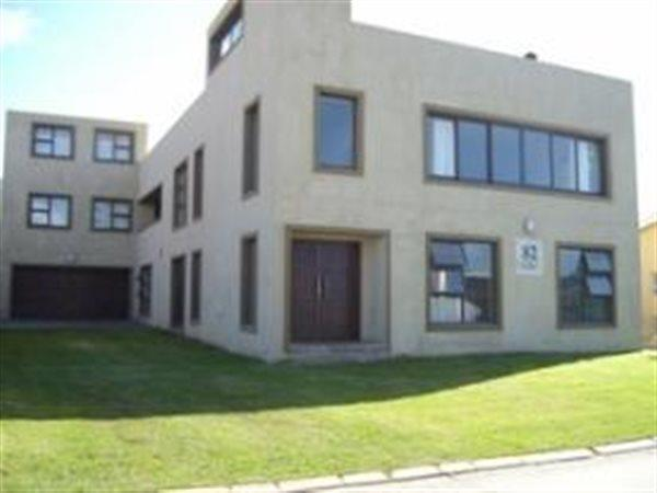 Kleinmond, House 8 bedrooms property for sale Price:5,600,000