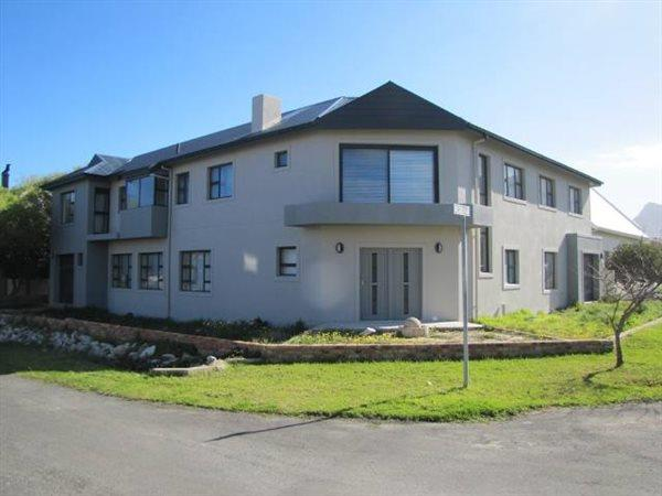 Sandbaai, House 4 bedrooms property for sale Price:4,500,000