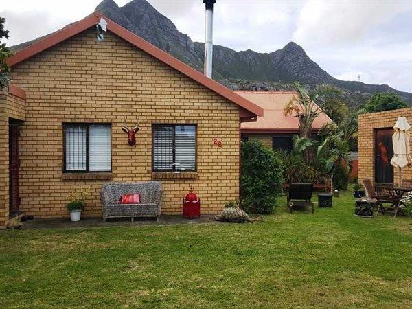 Property and Houses for sale in Kleinmond, House, 3 Bedrooms - ZAR 1,100,000
