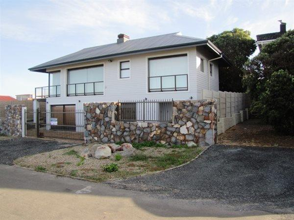 Sandbaai, House 5 bedrooms property for sale Price:4,300,000