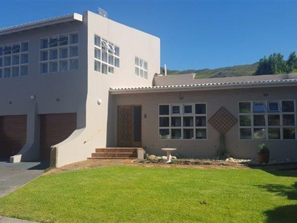 Kleinmond, House 3 bedrooms property for sale Price:2,500,000