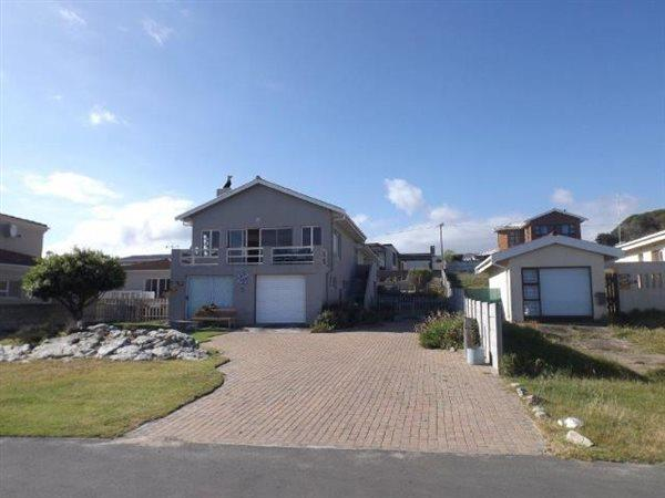 Sandbaai, House 4 bedrooms property for sale Price:3,295,000