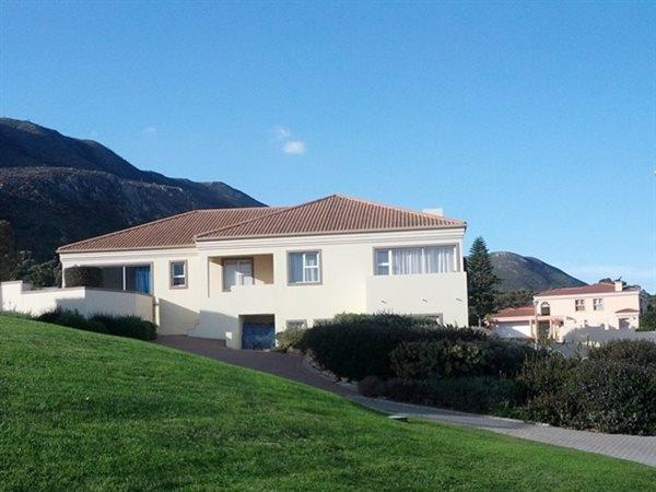 Hermanus, Berghof Property  | Houses For Sale Berghof, Berghof, House 4 bedrooms property for sale Price:3,500,000