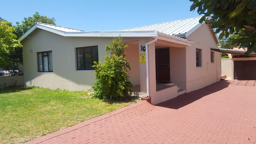 Kleinmond, Palmiet Property  | Houses For Sale Palmiet, Palmiet, House 5 bedrooms property for sale Price:1,300,000