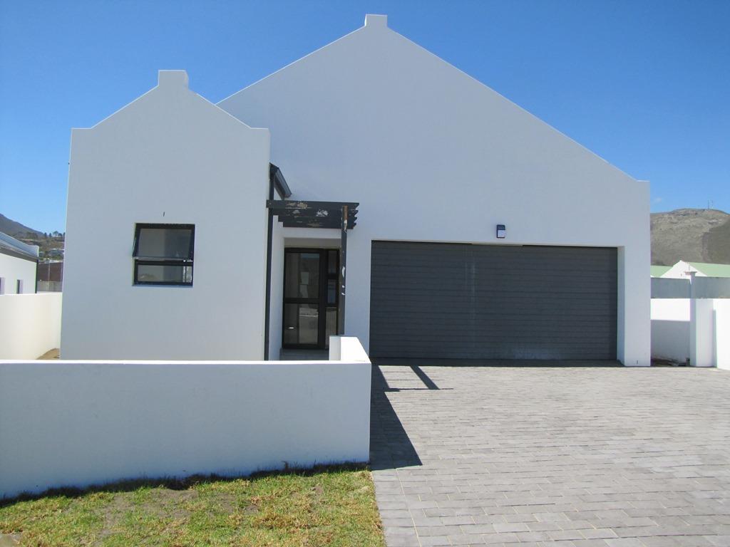 Sandbaai, House 3 bedrooms property for sale Price:1,695,000
