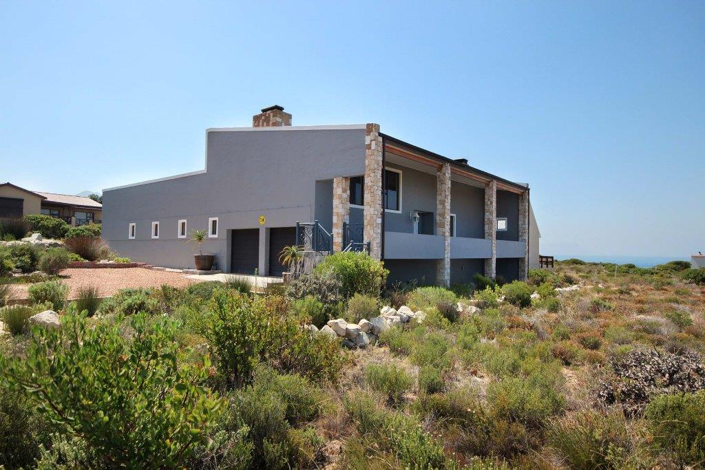 Property and Houses for sale in Bettys Bay, House, 4 Bedrooms - ZAR 3,725,000