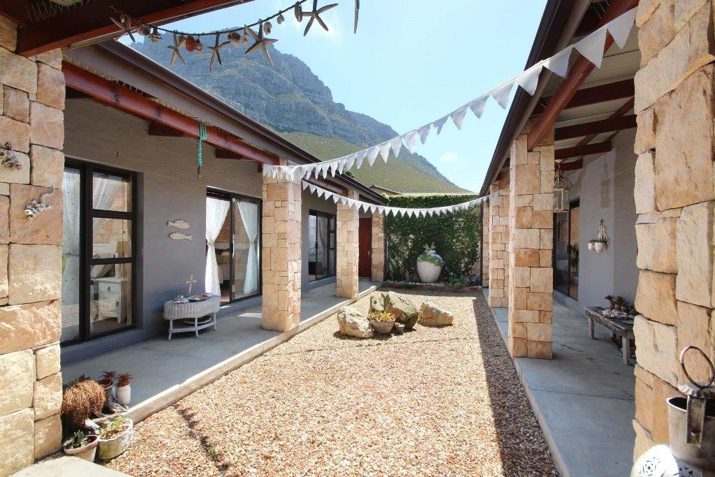 Bettys Bay property for sale. Ref No: 13458491. Picture no 10