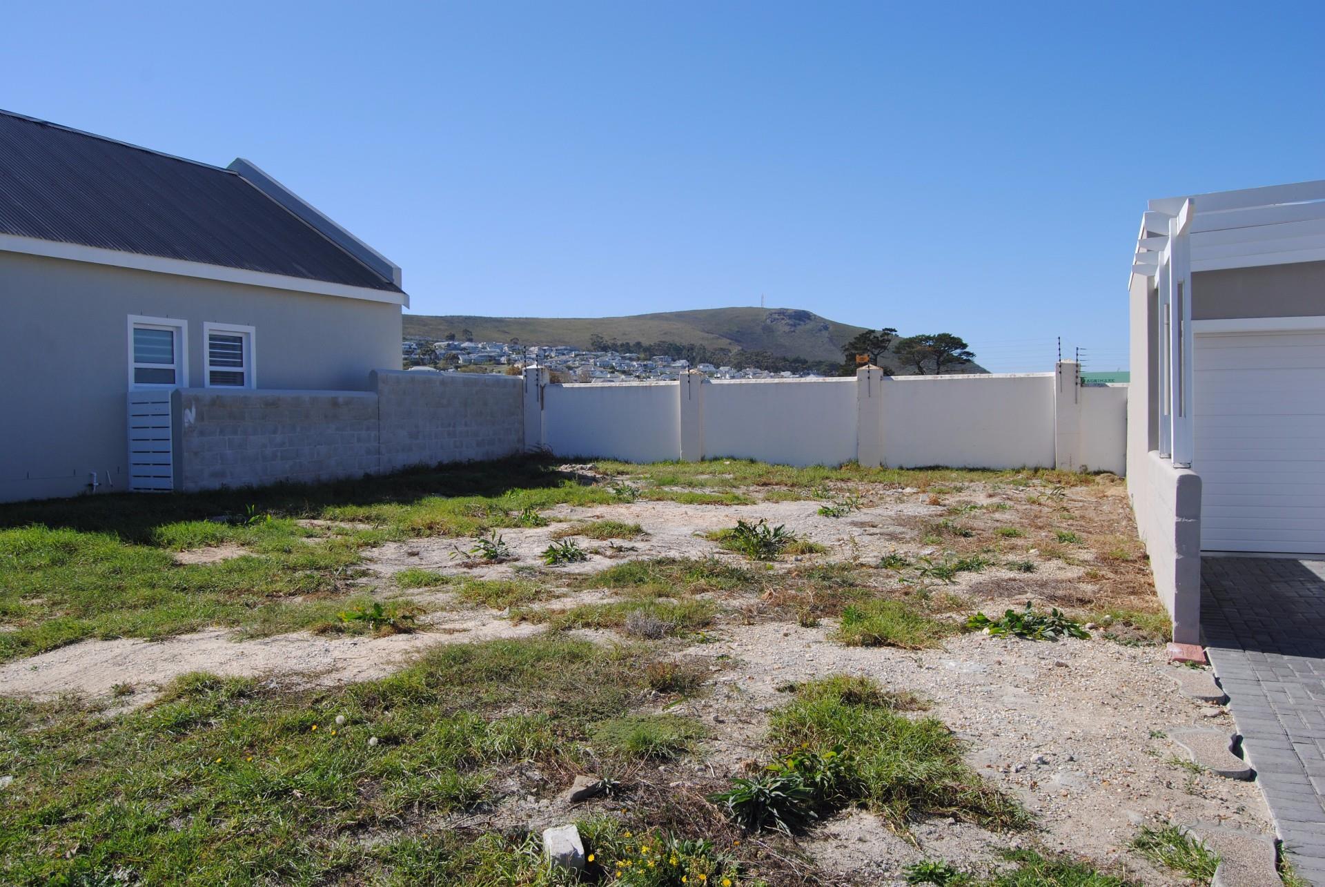 Sandbaai property for sale. Ref No: 13478015. Picture no 1