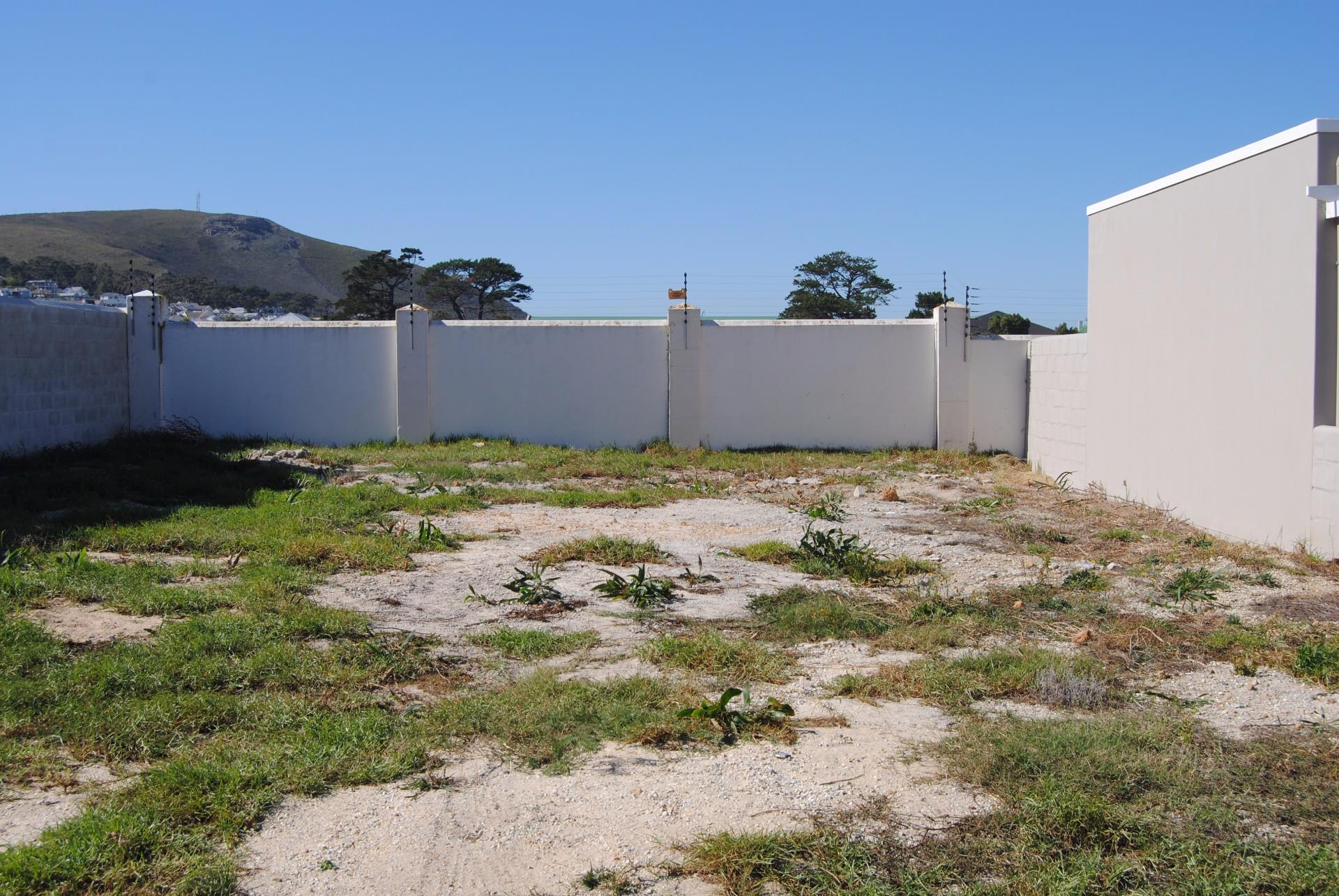 Sandbaai property for sale. Ref No: 13478015. Picture no 3