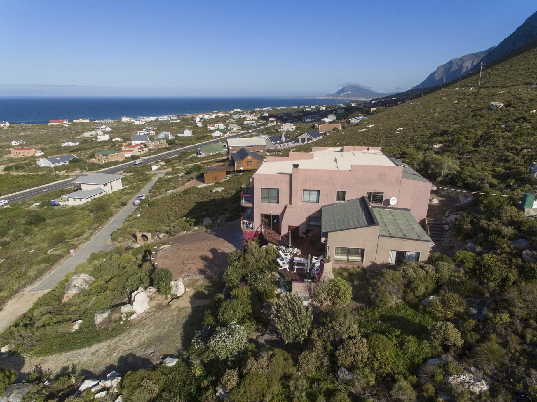 Bettys Bay property for sale. Ref No: 13446758. Picture no 2