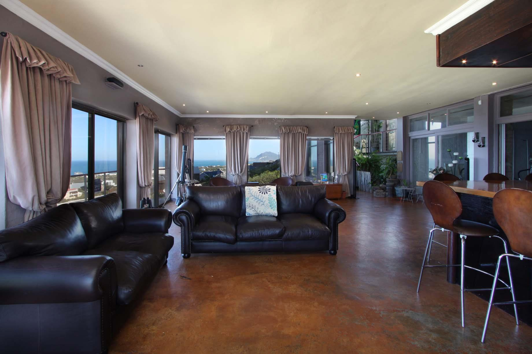 Bettys Bay property for sale. Ref No: 13446758. Picture no 17