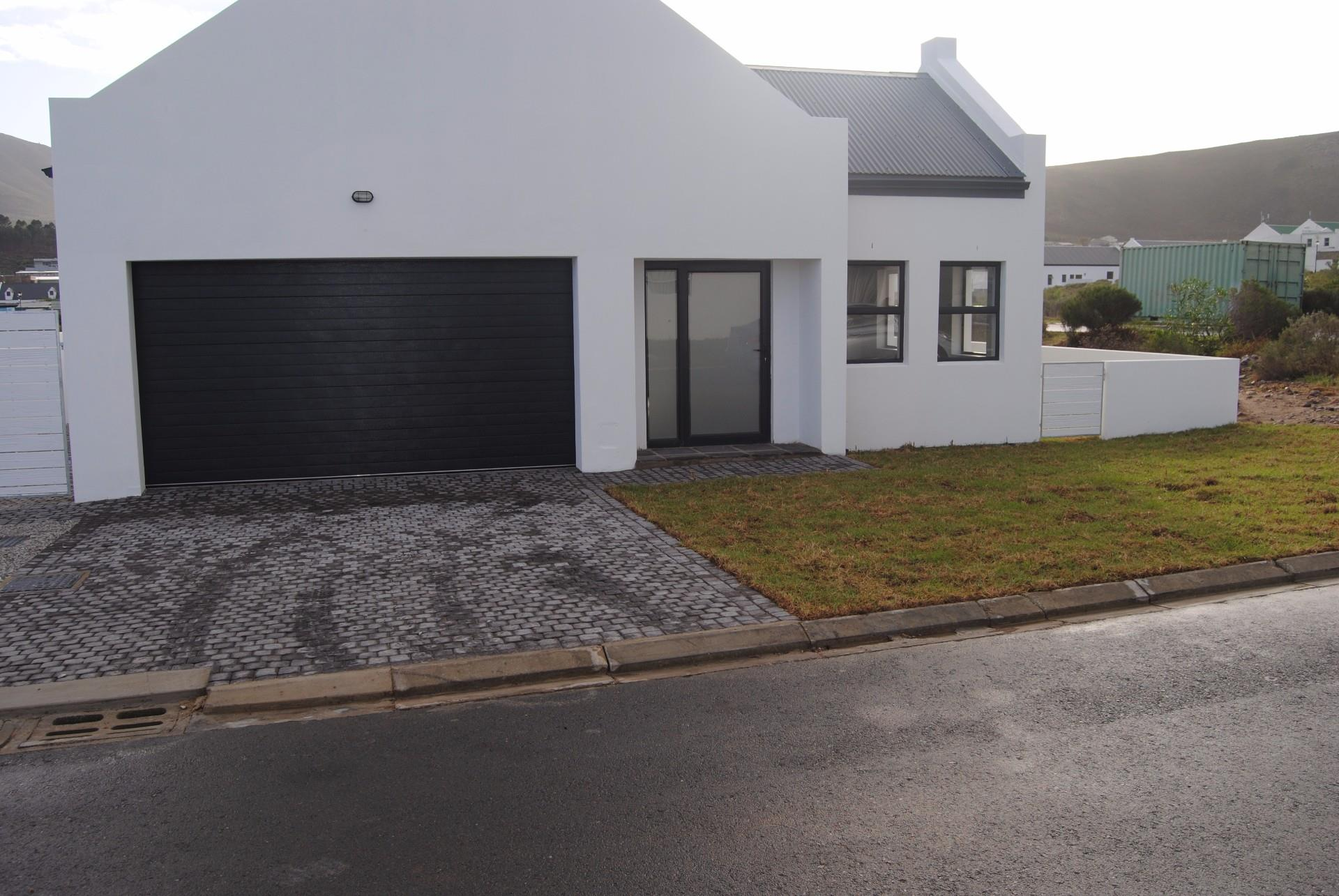 Sandbaai, House 3 bedrooms property for sale Price:1,800,000