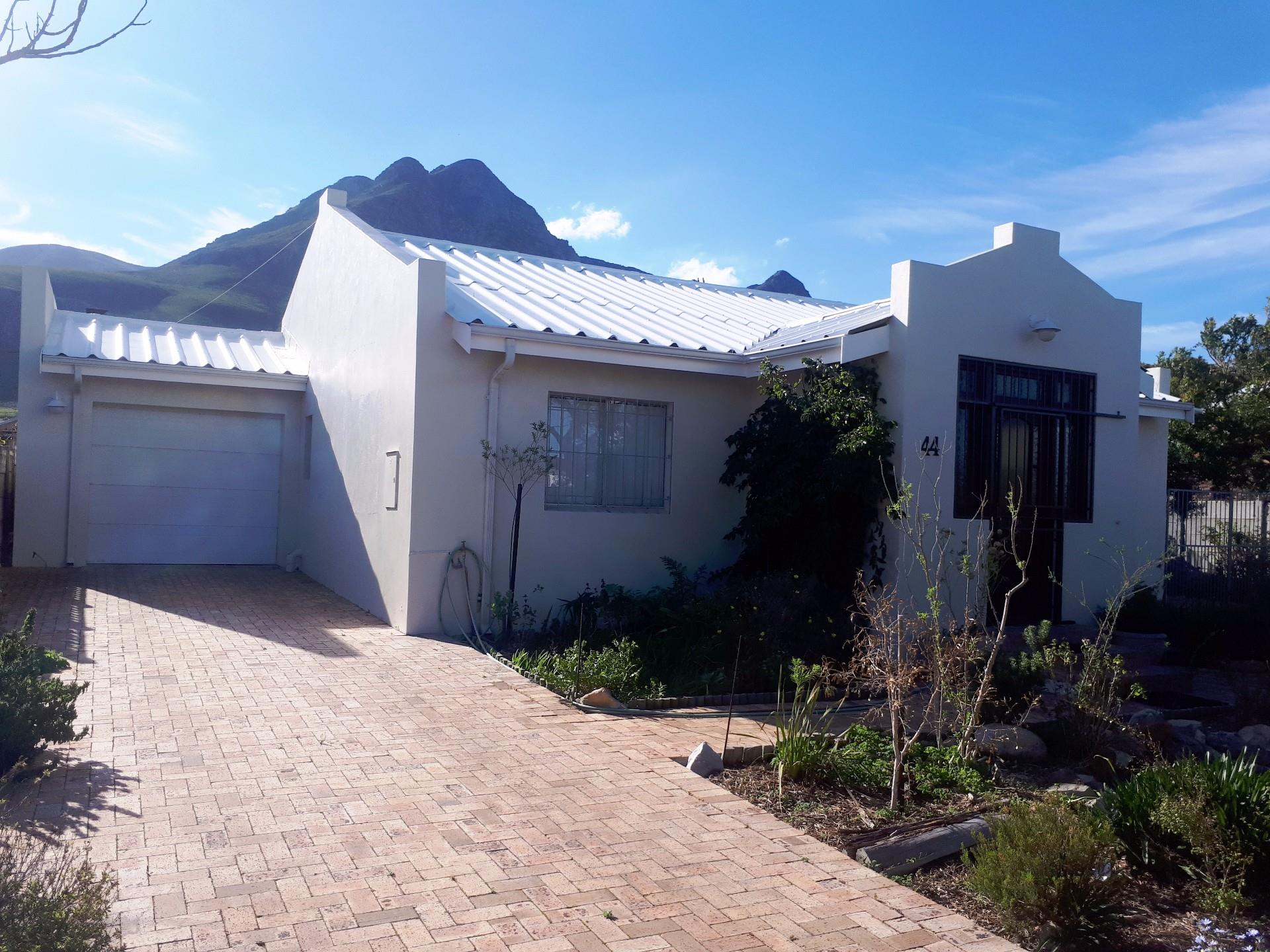 Kleinmond, Palmiet Property  | Houses For Sale Palmiet, Palmiet, House 4 bedrooms property for sale Price:1,800,000