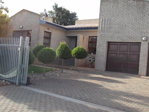 Vredenburg, Vredenburg Property  | Houses For Sale Vredenburg, Vredenburg, House 4 bedrooms property for sale Price:1,865,000