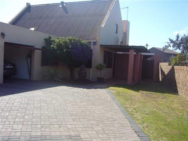 Saldanha, Bluewater Bay Property  | Houses For Sale Bluewater Bay, Bluewater Bay, House 4 bedrooms property for sale Price:1,420,000